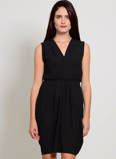 YAS V Yaka Kısa Elbise Siyah